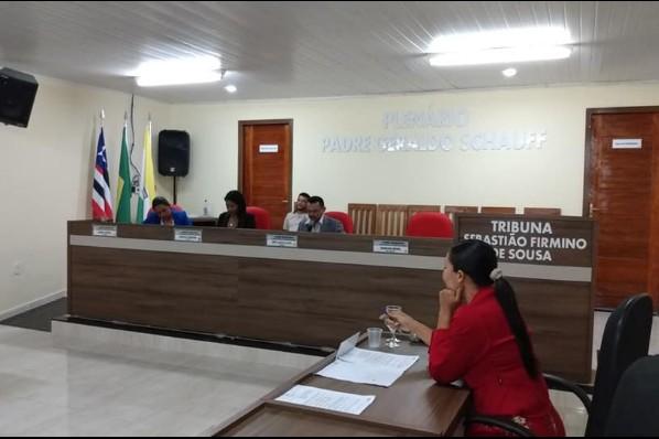 COM PRESENÇA DE 6 VEREADORES DOIS PROJETOS DO EXECUTIVO SÃO APROVADOS